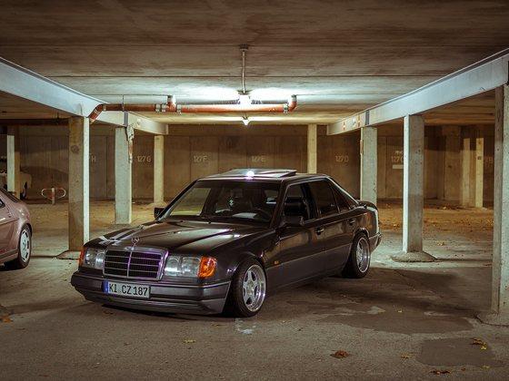 W124 Low Limo 250D Automatik